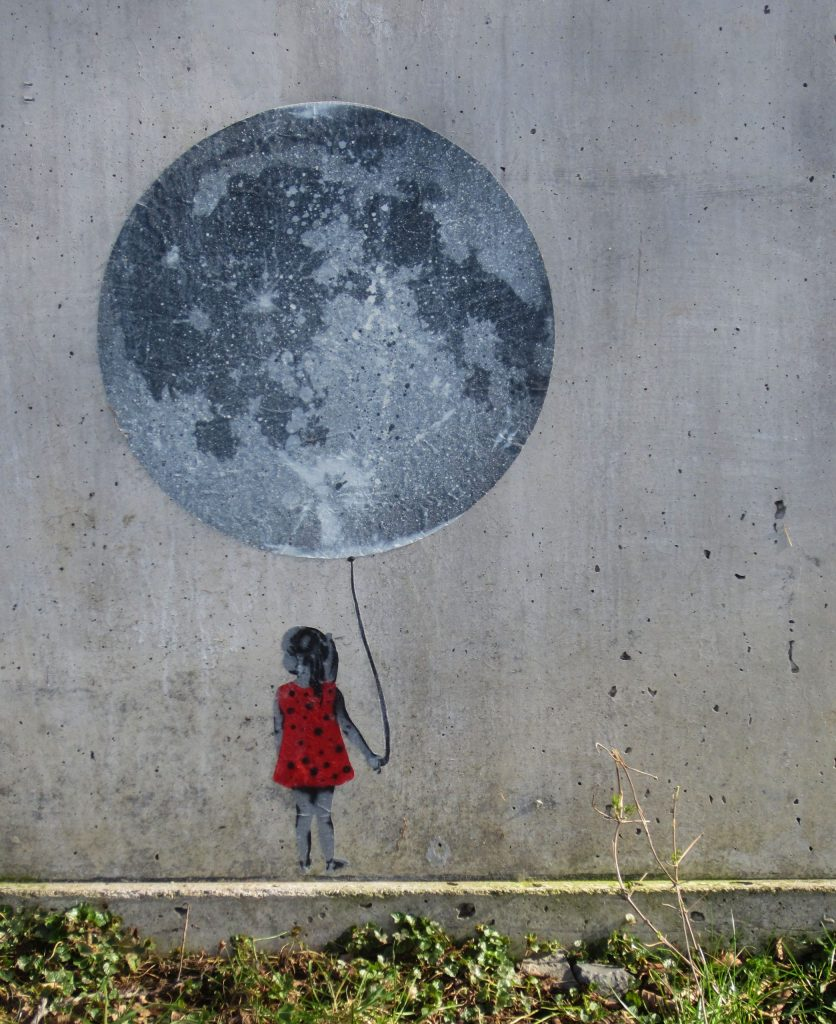 Artwork by the artist seiLeise: A little girl in a red dress is holding a moon on a balloon string.