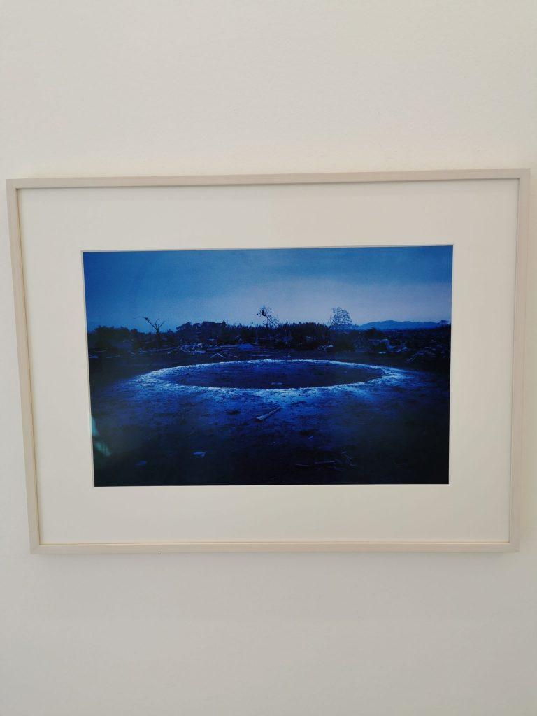 Hanae Utamura in der basedonart gallery in Düsseldorf