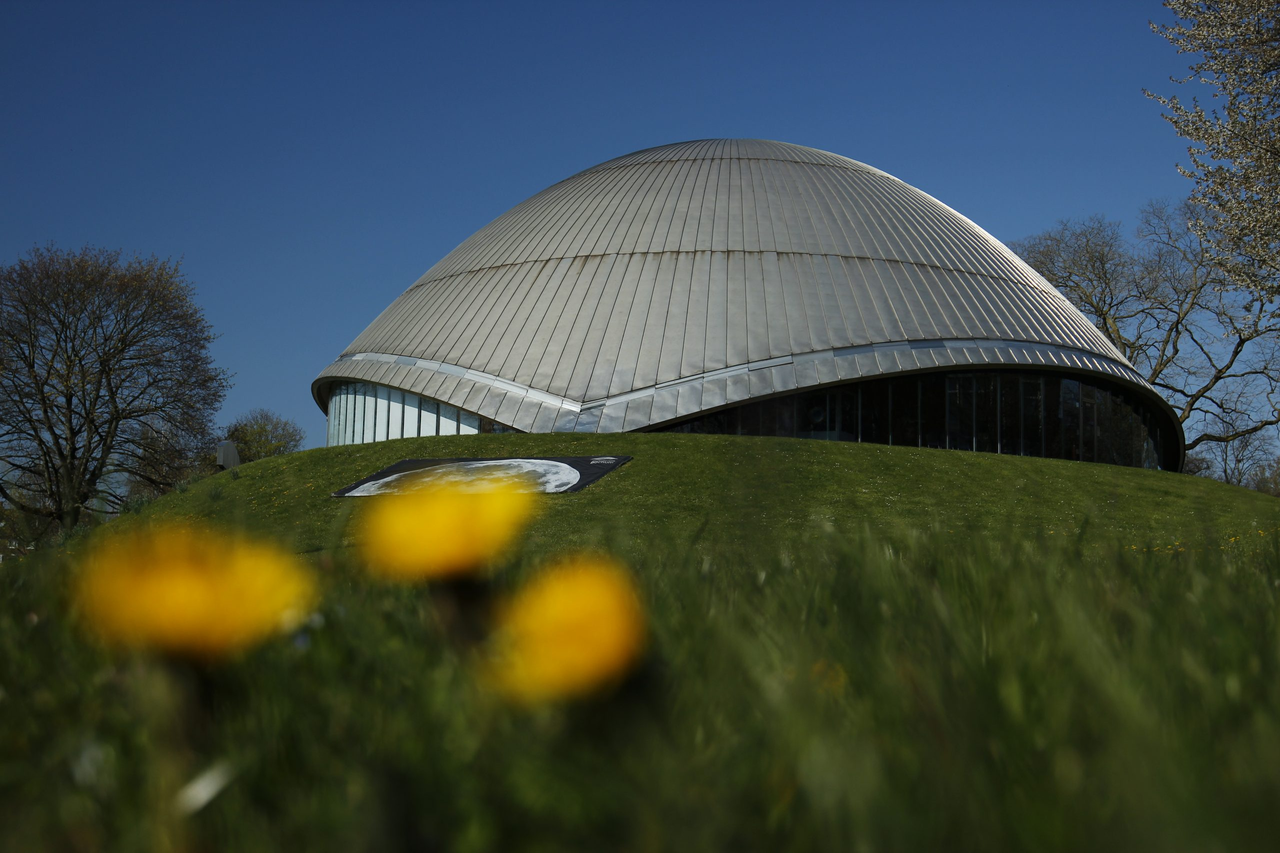 Exterior view of the Zeiss Planetarium Bochum.