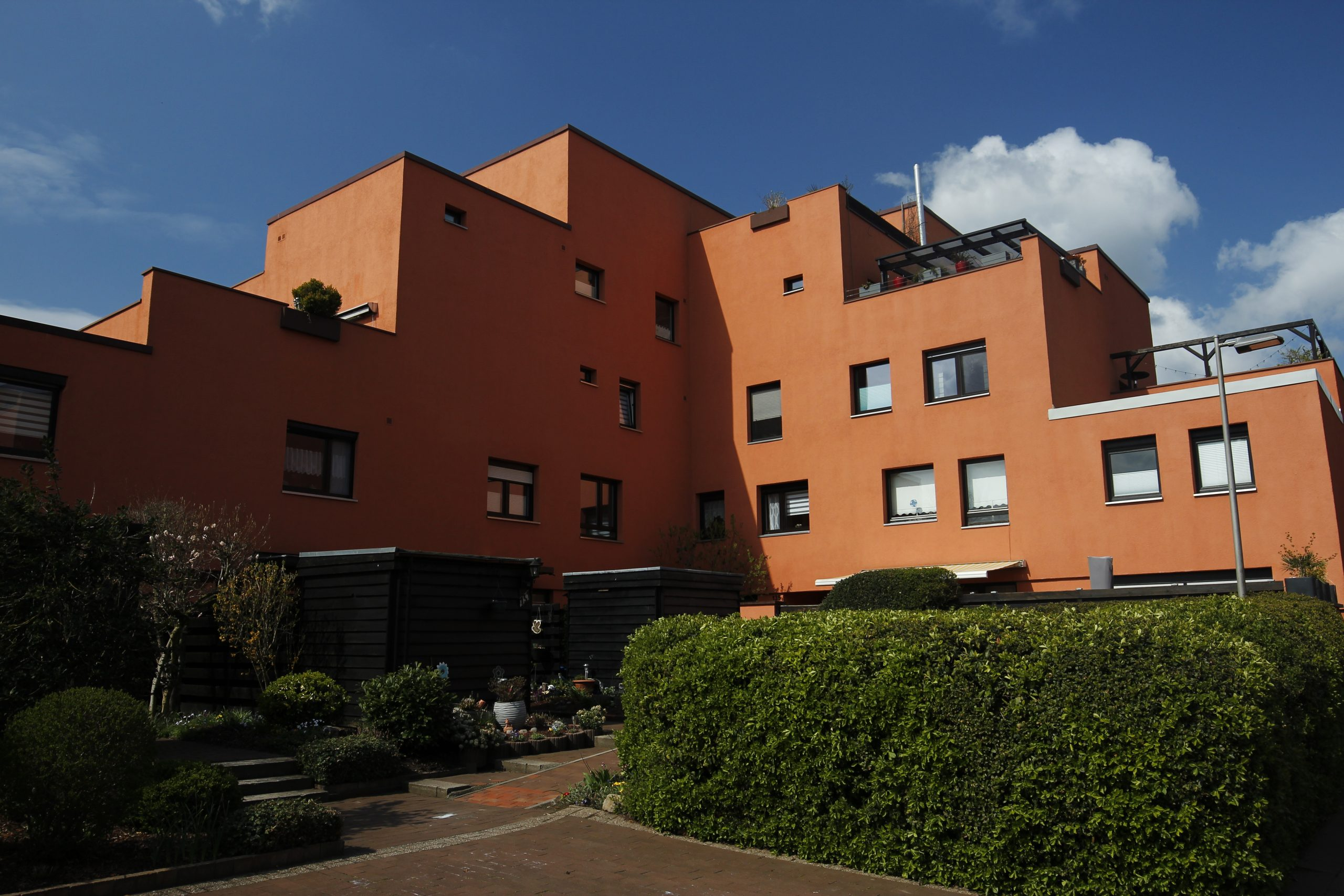 """Exterior view of a building in the """"Finnstadt"""" residential complex in Dorsten."""