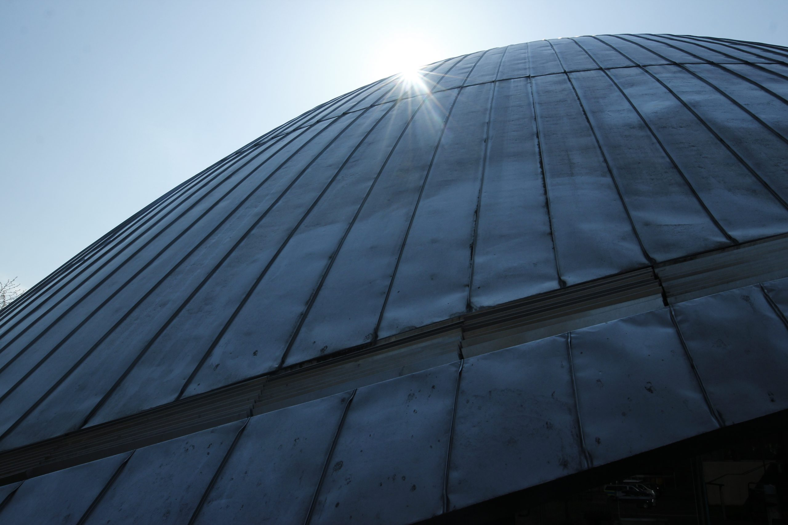 Detailed view of the dome of the Zeiss Planetarium Bochum.