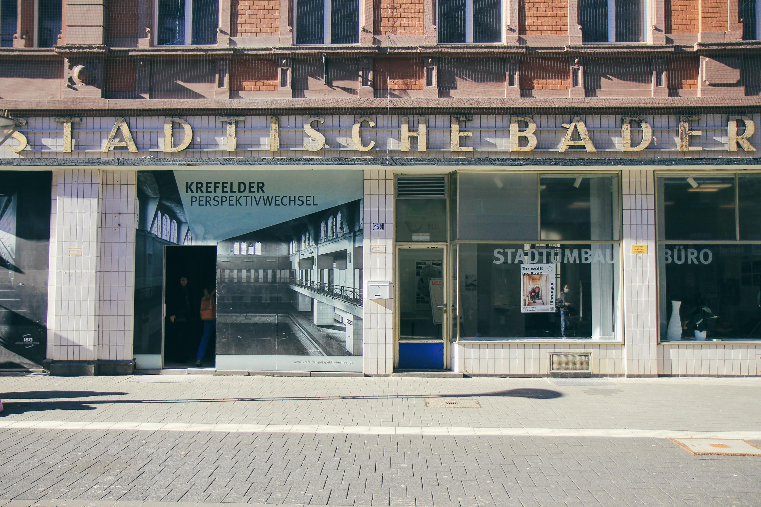 Außenansicht der Fassade des Stadtbad Krefeld.